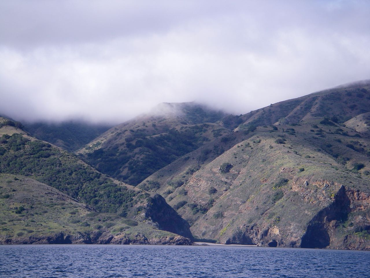 Sail to Cueva Valdez anchorage on Santa Cruz Island with Capt. Dan Ryder and Sail Channel Islands
